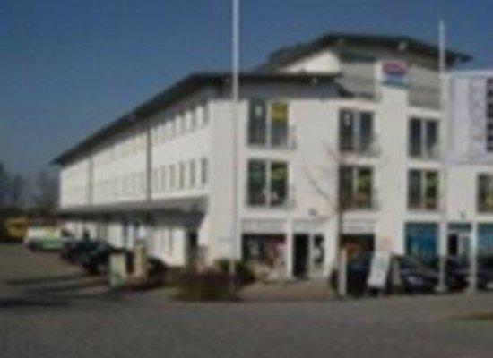 Hotel Fresh Inn: Exterior