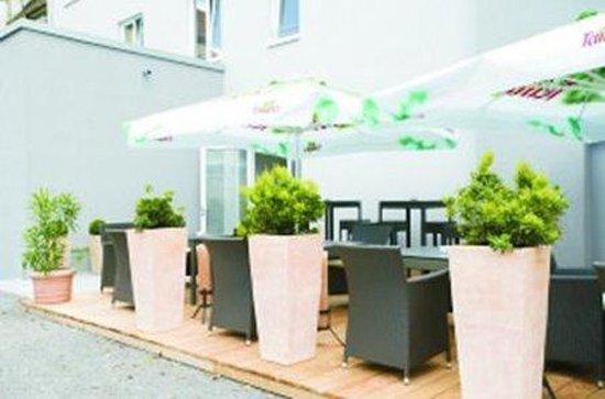 Blauzeit Hotel: Exterior_Offers