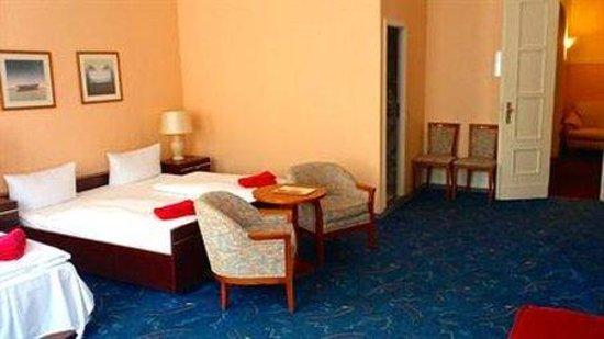 Hotel Castell: Room