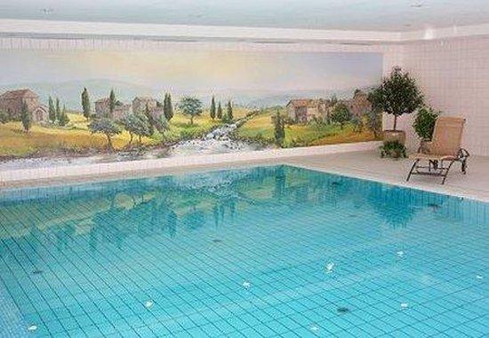 NewLivingHome : Pool