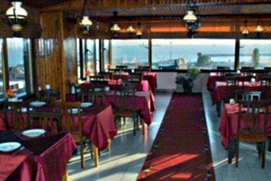 Grand Liza Hotel: Gastronomy