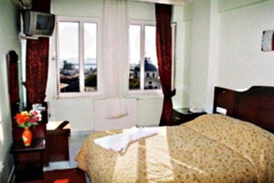 Grand Liza Hotel: Room