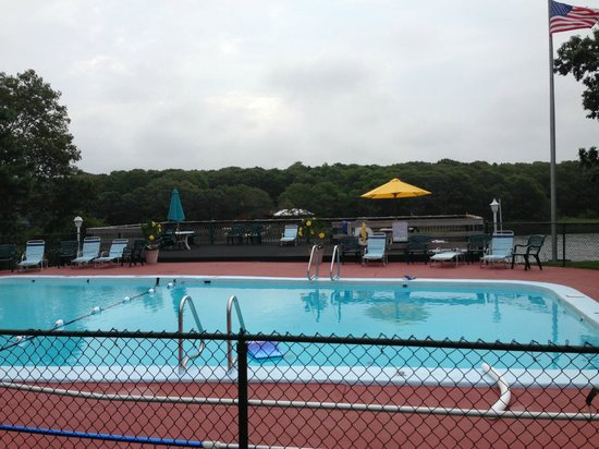 Green Harbor Waterfront Lodging: The swimming pool