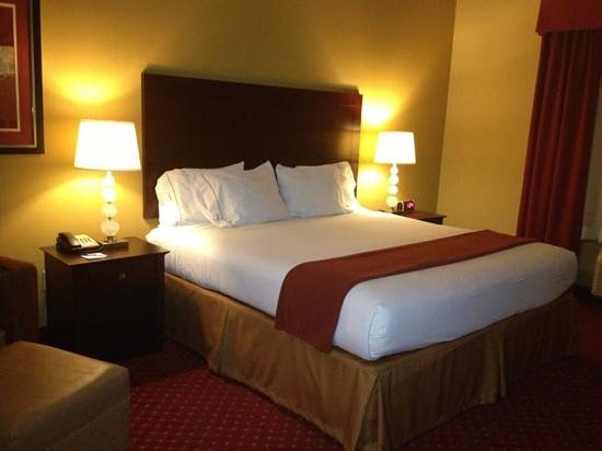 "Holiday Inn Express Orlando - South Davenport: nicer than some of the ""high end"" hotels!"