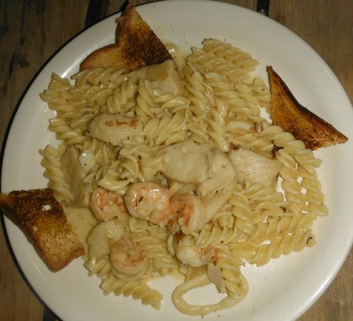 Ronny's Barefeet Restaurant & Bar : Alex's Seafood Pasta! Loved it!