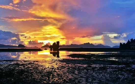 El Nido Resorts Lagen Island: Unreal sunsets everyday