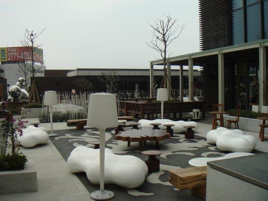 W Taipei: pool area