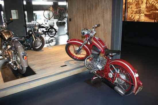 Maybach-Fahrzeuge Museum: Motorbikes and bicycles also
