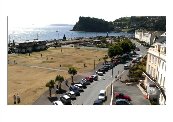 Riviera Apartments: Glorious views from balcony