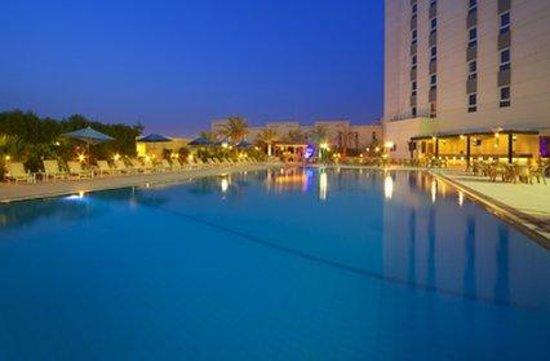 Acacia by Bin Majid Hotels & Resort : Pool