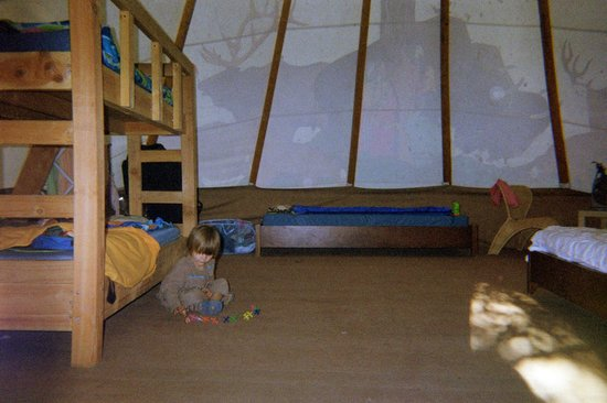 Ventura Ranch KOA: Inside Our Tipi