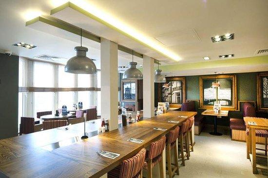 Premier inn edinburgh city centre princes street hotel - Cuisine premier st andiol ...
