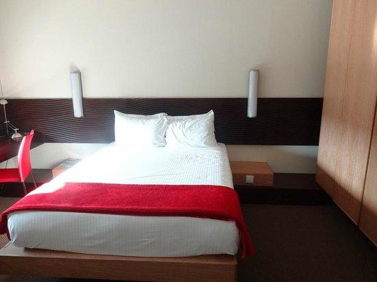 SunSquare Montecasino: comfortable bed