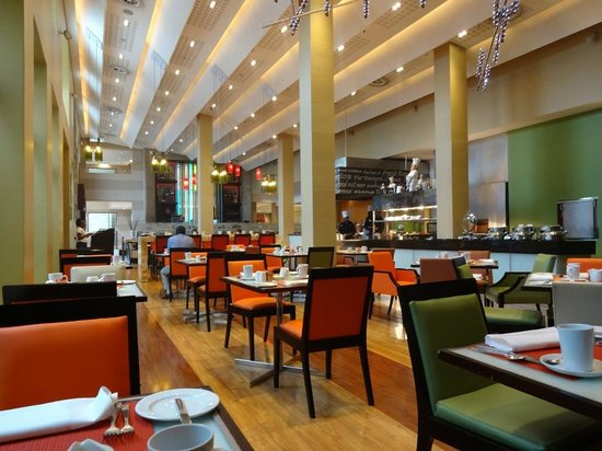 SunSquare Montecasino: breakfast buffet
