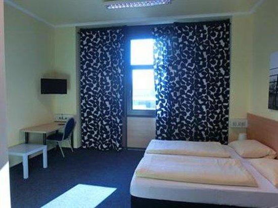 Blu Hotel Freiburg: Room