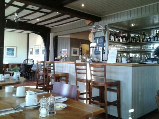 The Mistley Thorn: at breakfast