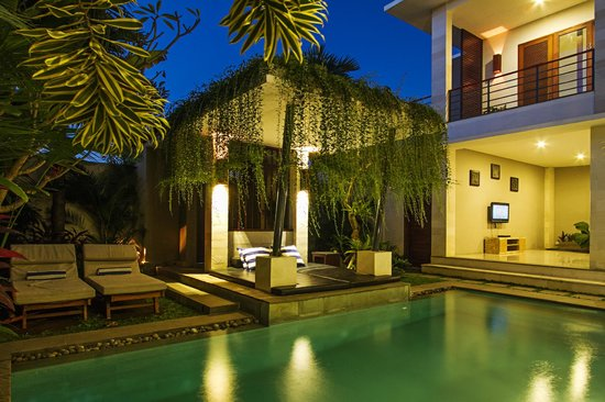 Apple Villas & Apartments: 5 Bedrooms Villa