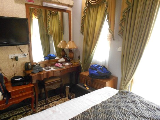 Loona Hotel: The Delux room