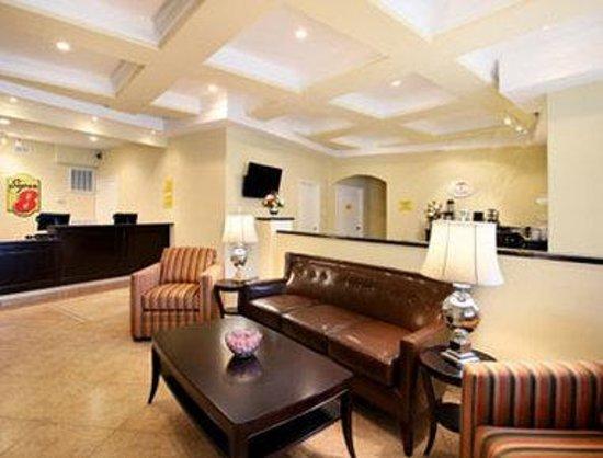 Baymont Inn & Suites Chocowinity/Washington : Lobby
