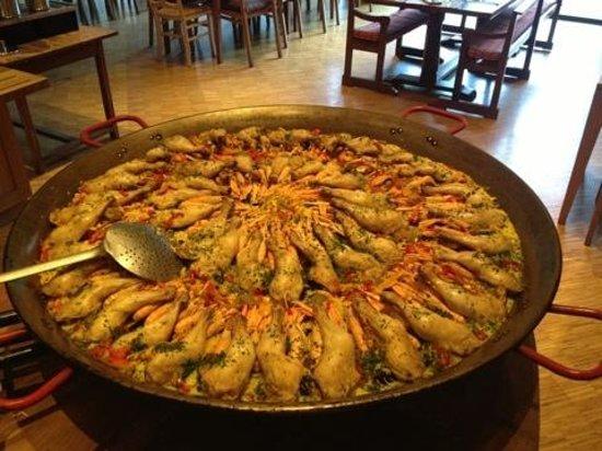 Mercure Saint Lary Sensoria: buffet mode Espagne