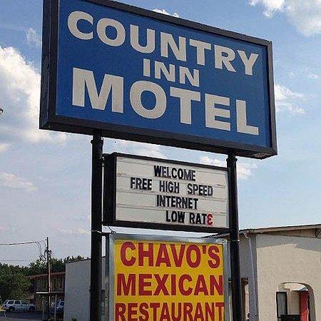 Country Inn Motel Vivian Sign