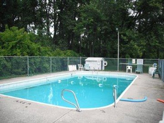 Bluewater Motel: Pool