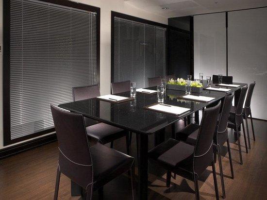 Hotel Sense: Meeting Room