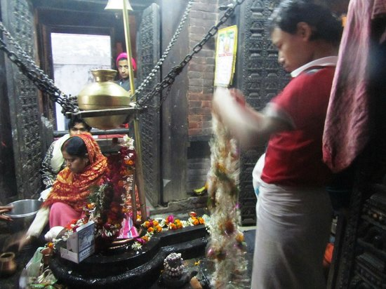 Nepali Temple (Kathwala Temple): Ceremony inside the temple