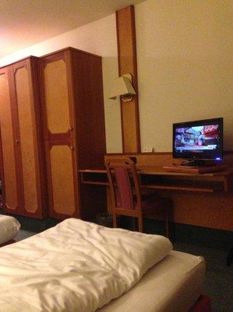Hotel-Gasthof Maisberger: Номер на 3 этаже