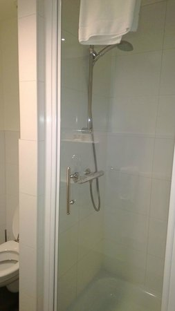 Hampshire Hotel - City Terneuzen : Shower