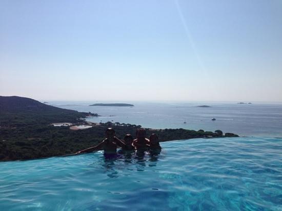 Residence Belvedere de Palombaggia : Vue depuis la piscine