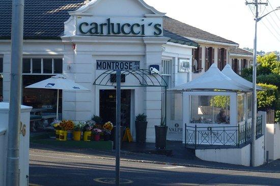 Carlucci's