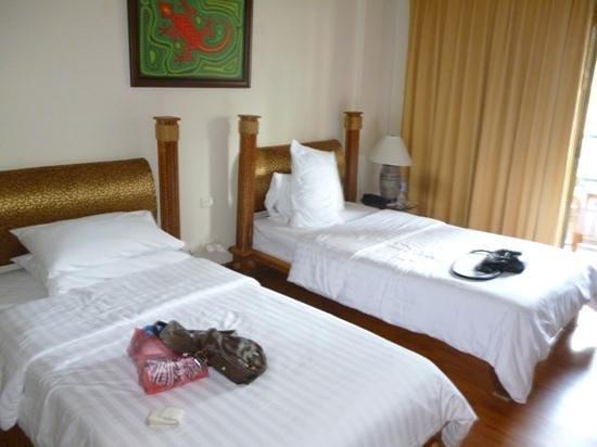 Chaba Cabana Beach Resort: basic room
