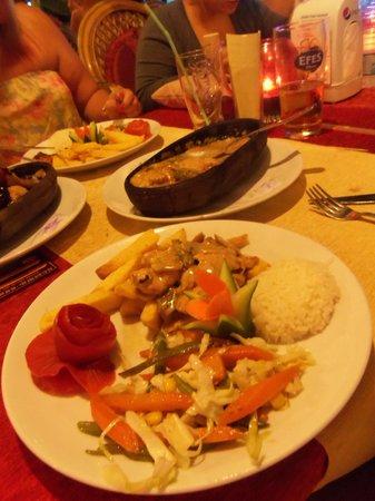 Friar Tucks Bistro: Ottoman Chicken accompaniments