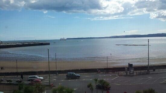 Premier Inn Torquay Hotel: stunning view from our room (229)