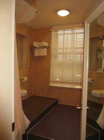 Avon Gorge Hotel: Bathroom
