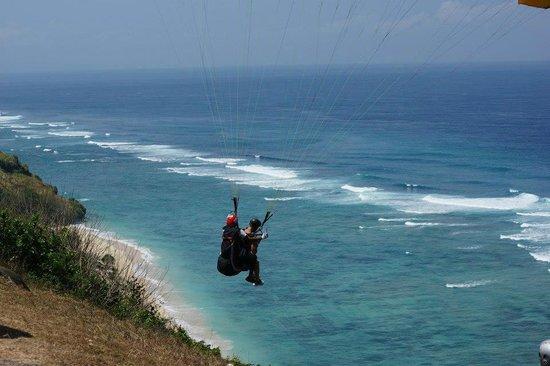 Villa Bidadari Nusa Dua: Paragliding at Pandawa Beach