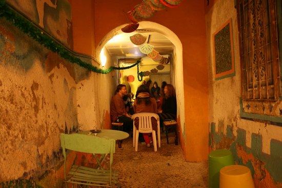 Lisbon Chillout Hostel : corridor party