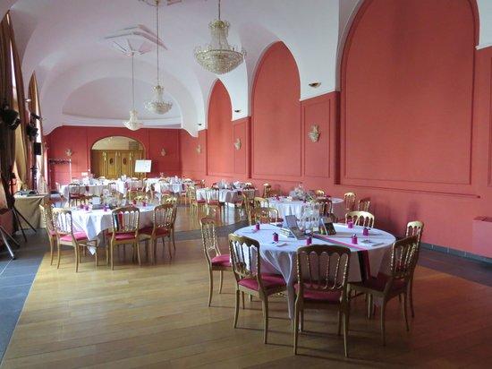 Hôtel de l'Univers : Salle pour le diner de mariage