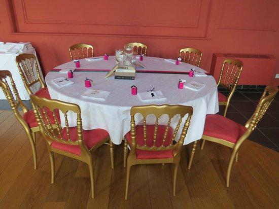Hôtel de l'Univers : Décoration des tables