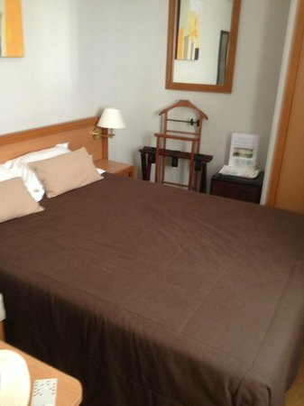 Hotel Beaugency: my single room