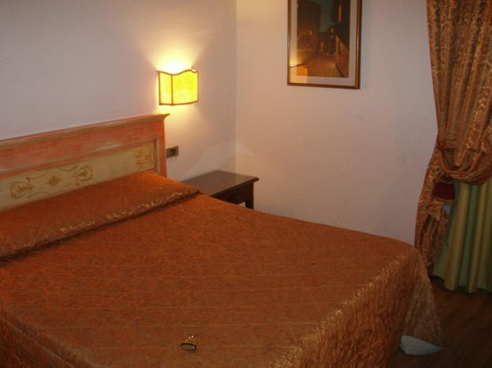 Hotel Machiavelli Palace : Cama