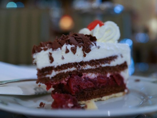 Brenners Park-Hotel & Spa: Black Forest Gateau in the lounge