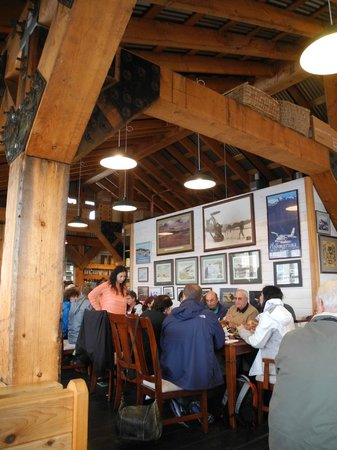 Alaska Fish House: A little crowded, but cozy with a great view.