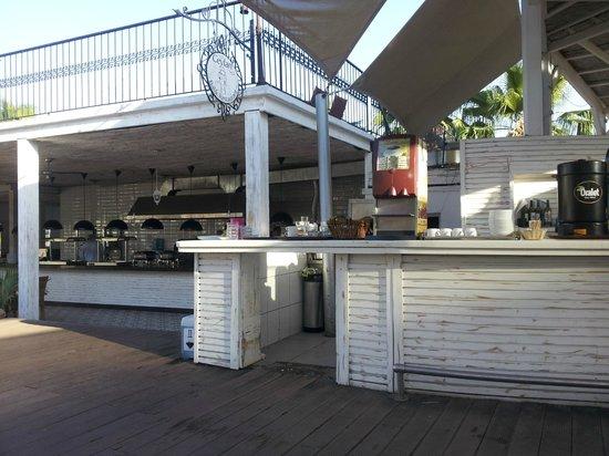 Magnific Hotel: snack bar