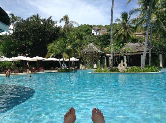 Melati Beach Resort & Spa: poolside