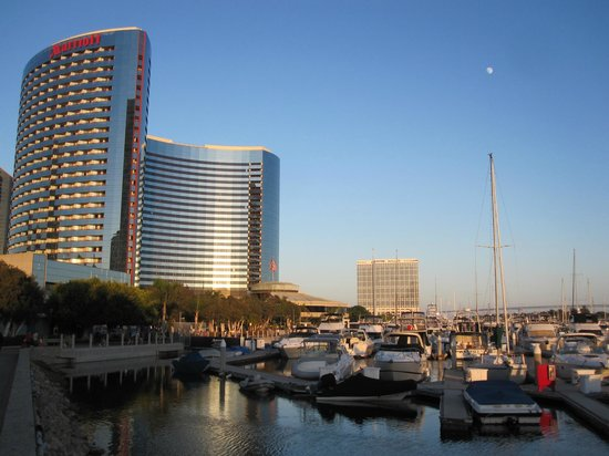 Marriott Marquis San Diego Marina: hotel and grounds