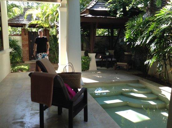 Melati Beach Resort & Spa: garden pool suite
