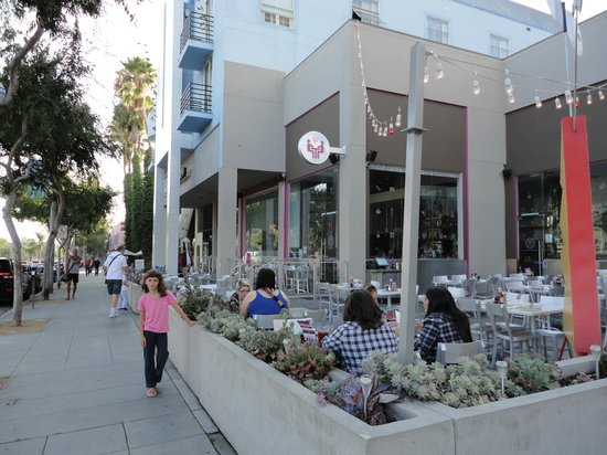 Locale Dall Esterno Picture Of Kitchen24 West Hollywood