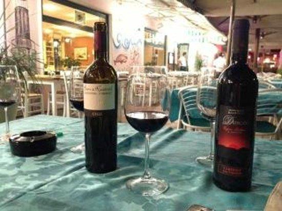 Hotel Al Faro: Abens draußen bei einem Glas Wein :)